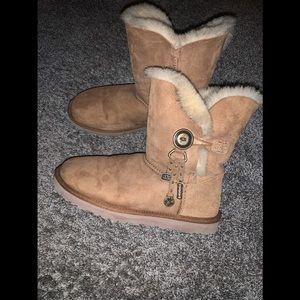 UGG Azaela boot size 8